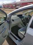 Toyota Prius a, 2013 год, 845 000 руб.