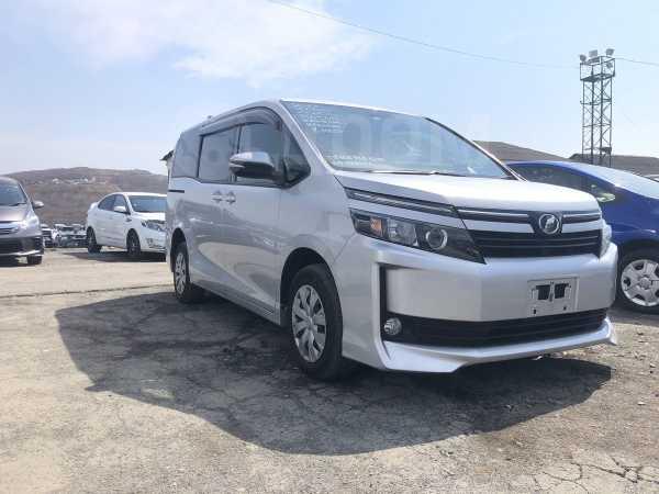 Toyota Voxy, 2017 год, 1 265 000 руб.