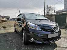 Кызыл Toyota Vitz 2013