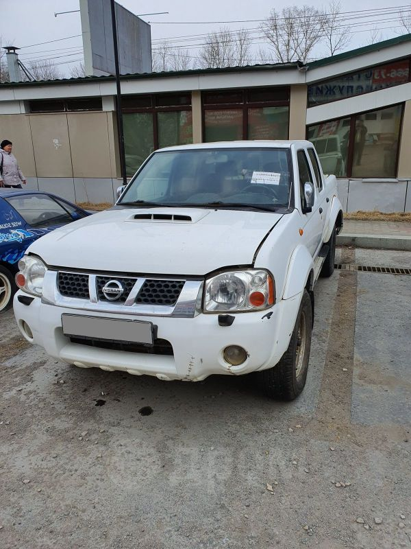 Nissan NP300, 2010 год, 390 000 руб.