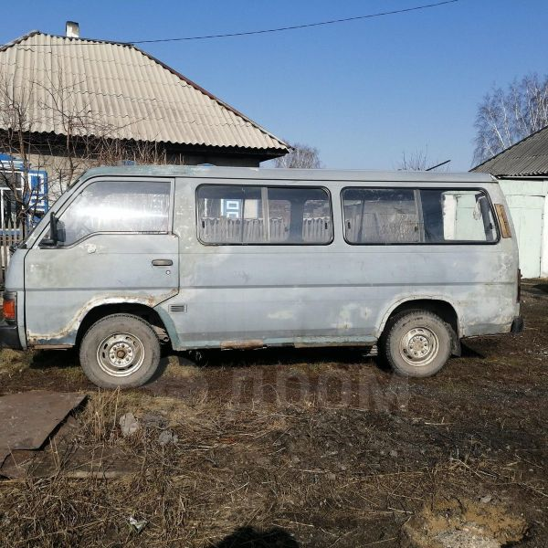 Nissan Urvan, 1989 год, 60 000 руб.