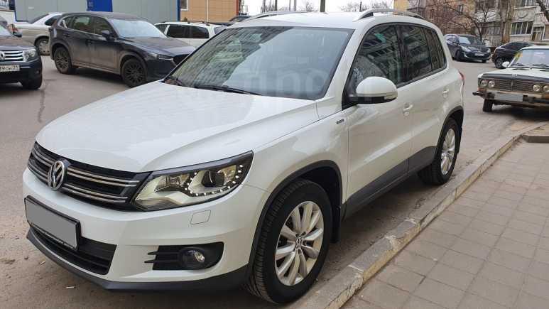 Volkswagen Tiguan, 2016 год, 1 040 000 руб.