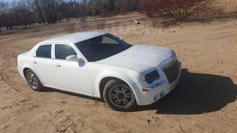 Chrysler 300C, 2004 год, 540 000 руб.