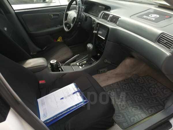 Toyota Camry, 2000 год, 230 000 руб.
