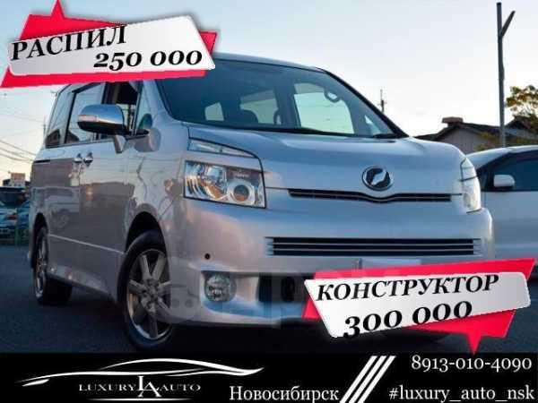 Toyota Voxy, 2010 год, 250 000 руб.