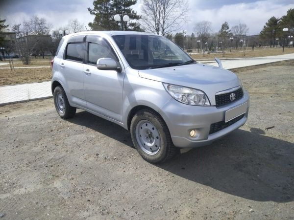 Toyota Rush, 2009 год, 560 000 руб.