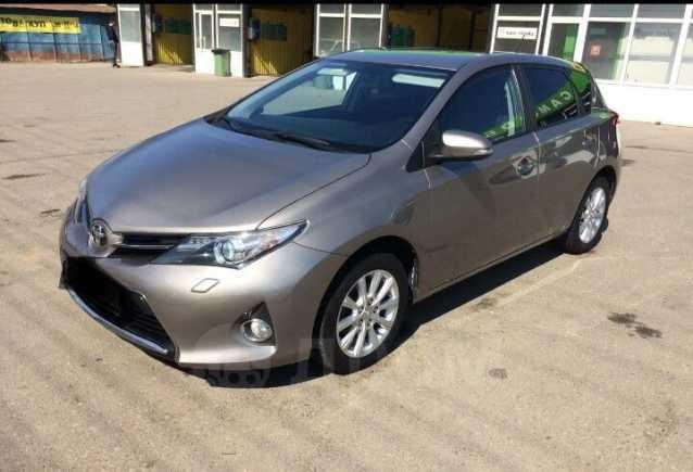 Toyota Auris, 2014 год, 777 000 руб.