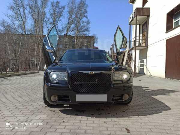Chrysler 300C, 2006 год, 740 000 руб.