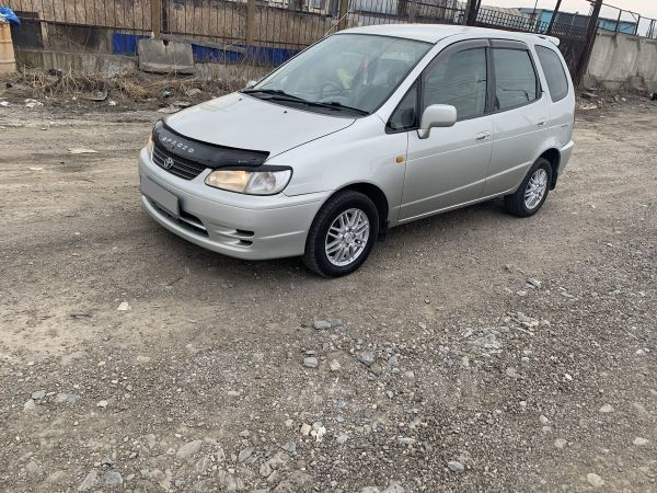 Toyota Corolla Spacio, 2000 год, 317 000 руб.