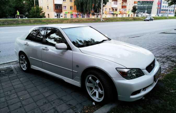 Lexus IS200, 2000 год, 515 000 руб.
