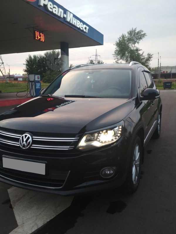 Volkswagen Tiguan, 2011 год, 777 000 руб.