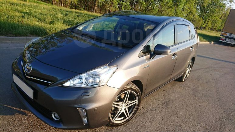 Toyota Prius a, 2013 год, 865 000 руб.