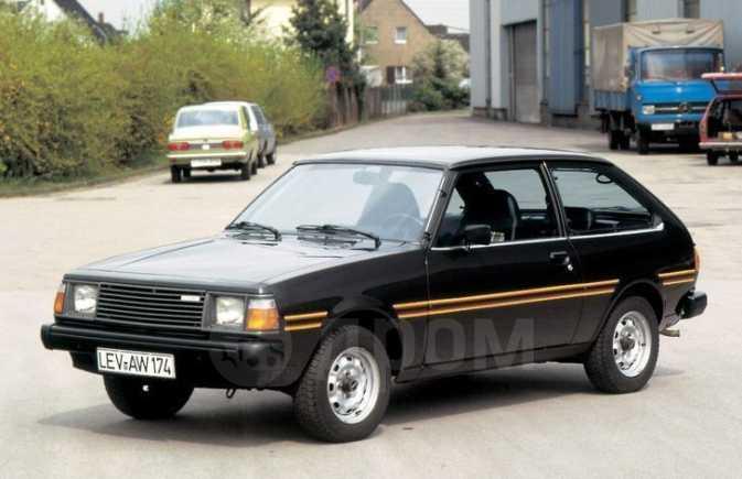 Mazda 323, 1983 год, 15 000 руб.