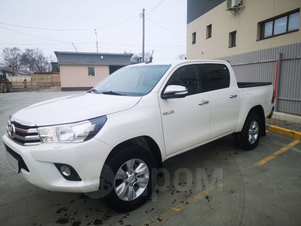 Toyota Hilux Pick Up, 2017 год, 1 600 000 руб.