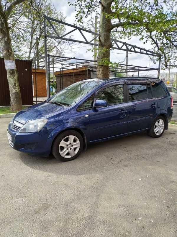 Opel Zafira, 2011 год, 490 000 руб.