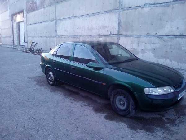 Opel Vectra, 1998 год, 125 000 руб.