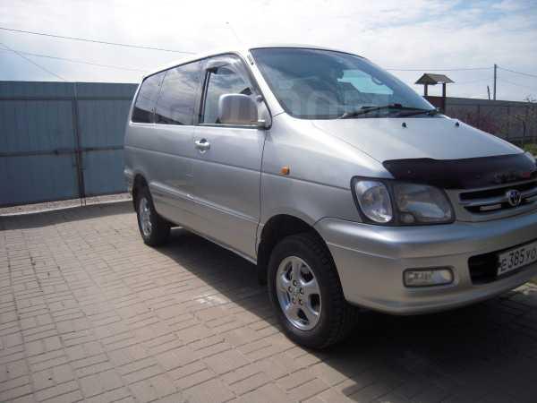 Toyota Town Ace Noah, 2000 год, 585 000 руб.
