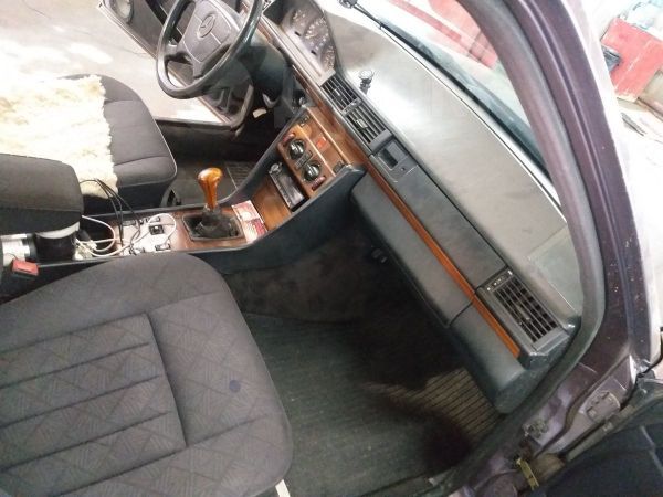Mercedes-Benz E-Class, 1991 год, 180 000 руб.