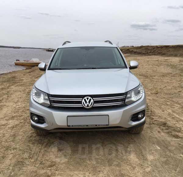 Volkswagen Tiguan, 2013 год, 910 000 руб.