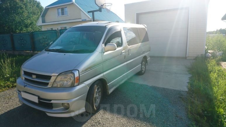Toyota Touring Hiace, 2002 год, 700 000 руб.