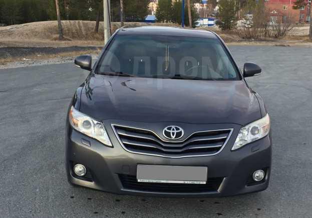 Toyota Camry, 2010 год, 870 000 руб.