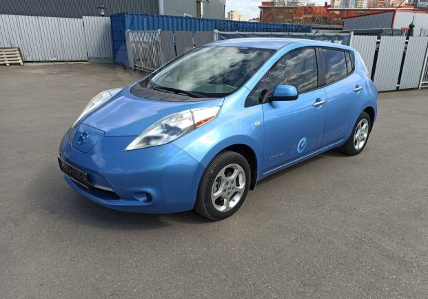 Nissan Leaf, 2011 год, 895 000 руб.