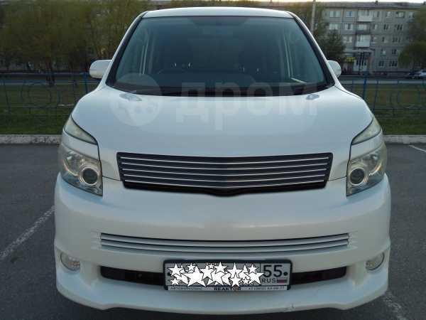 Toyota Voxy, 2008 год, 820 000 руб.