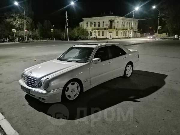 Mercedes-Benz E-Class, 2001 год, 300 000 руб.