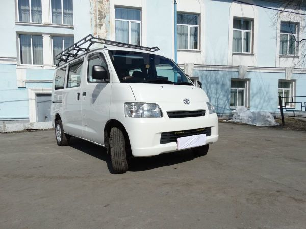 Toyota Town Ace, 2013 год, 630 000 руб.