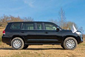 Бельгийская компания предлагает превратить Toyota Land Cruiser в пуленепробиваемый лимузин
