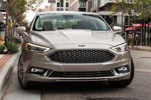 В июле Форд «убьет» сразу два своих седана