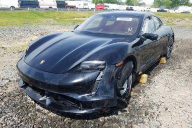 Роскошный электромобиль Porsche Taycan «затоталили» за 24 км