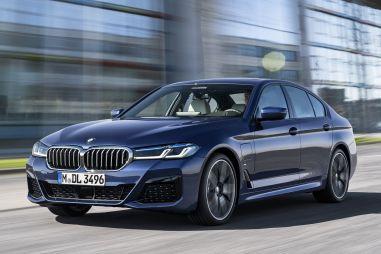 BMW 5-Series изменилась внутри и снаружи