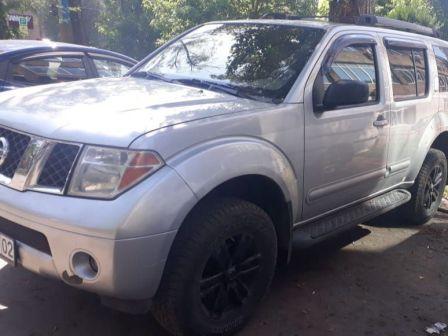 Nissan Pathfinder 2005 - отзыв владельца