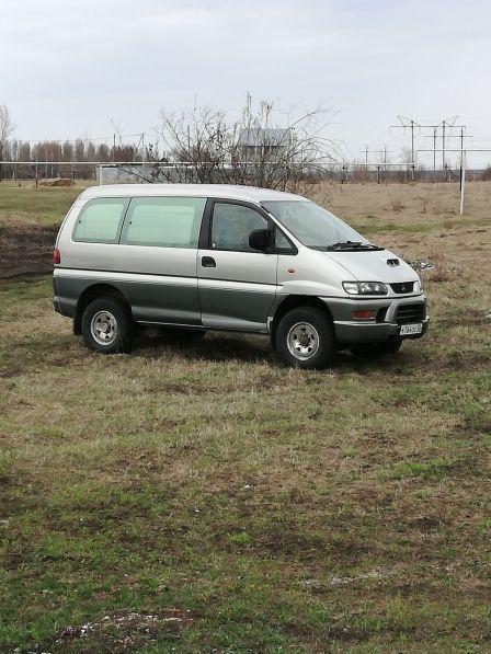 Mitsubishi Delica 1999 - отзыв владельца