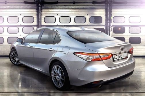 Toyota Camry 2018 - отзыв владельца