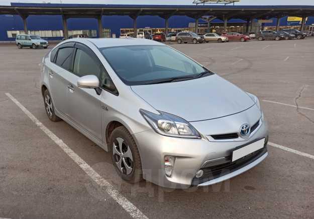 Toyota Prius PHV, 2012 год, 980 000 руб.