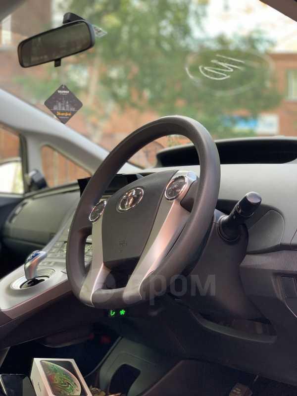 Toyota Prius, 2014 год, 930 000 руб.