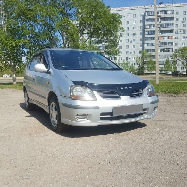Nissan Tino, 2000 год, 245 000 руб.