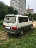 Toyota Grand Hiace, 2001 год, 395 000 руб.