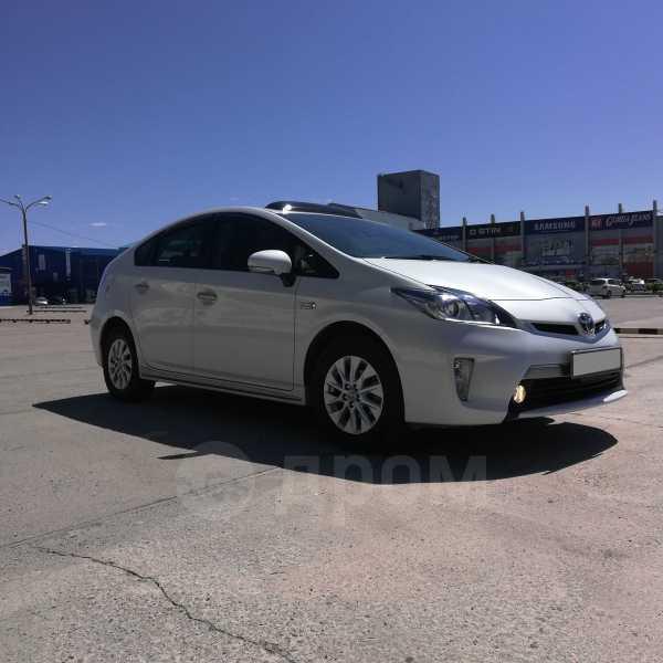 Toyota Prius PHV, 2014 год, 1 200 000 руб.