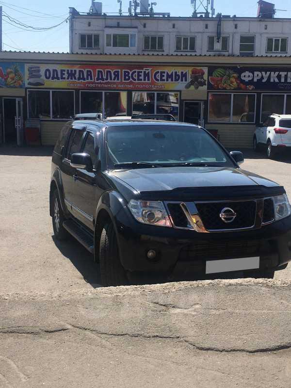 Nissan Pathfinder, 2010 год, 900 000 руб.