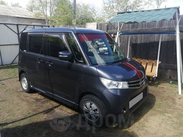 Nissan Roox, 2010 год, 300 000 руб.