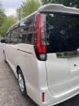 Toyota Noah, 2015 год, 1 140 000 руб.