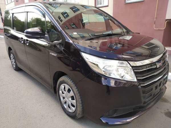 Toyota Noah, 2015 год, 1 199 000 руб.