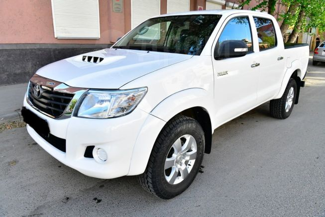 Toyota Hilux Pick Up, 2013 год, 1 318 000 руб.