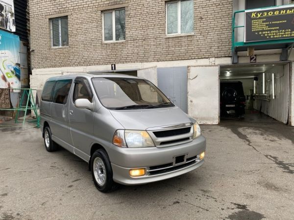 Toyota Grand Hiace, 2001 год, 335 000 руб.