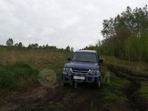 Mitsubishi Pajero, 2000 год, 635 000 руб.