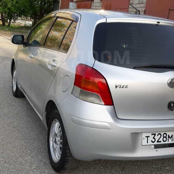 Toyota Vitz, 2010 год, 330 000 руб.