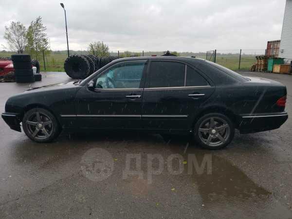 Mercedes-Benz E-Class, 1999 год, 240 000 руб.